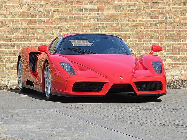 Ferrari_Enzo_for_sale_Vertually_brand_new_03.jpg