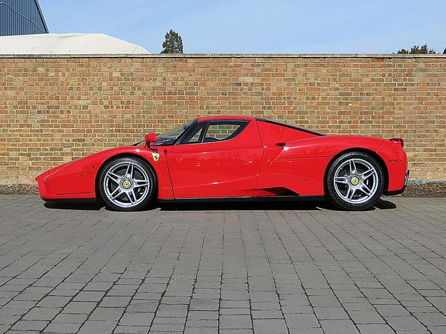 Ferrari_Enzo_for_sale_Vertually_brand_new_04.jpg
