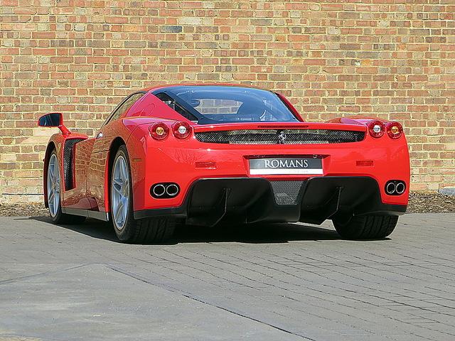 Ferrari_Enzo_for_sale_Vertually_brand_new_05.jpg