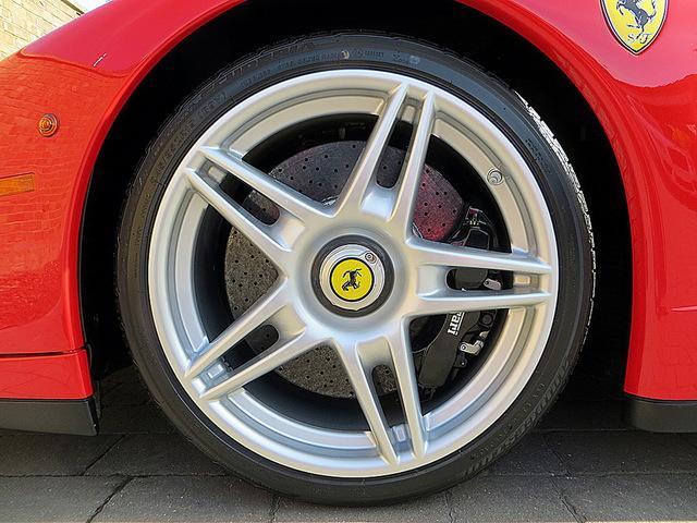 Ferrari_Enzo_for_sale_Vertually_brand_new_09.jpg