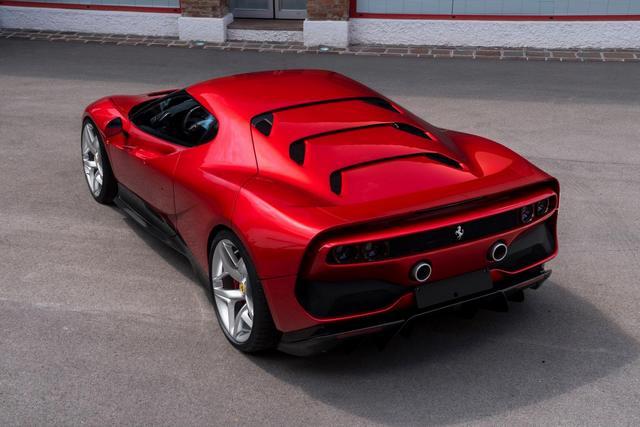 Ferrari_SP38_2018_06.jpg