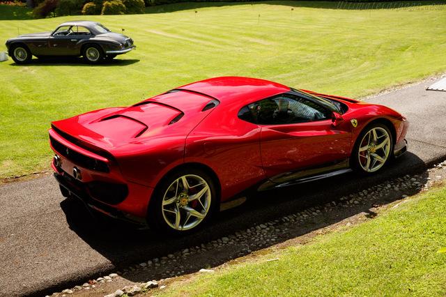 Ferrari_SP38_2018_16.jpg