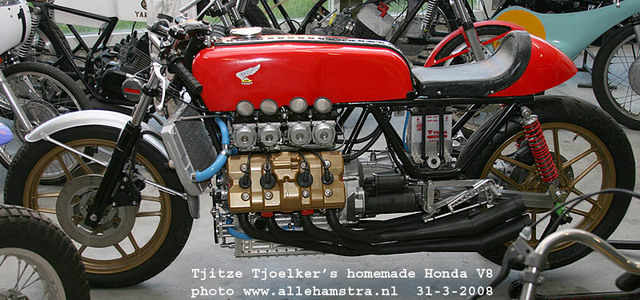 Honda_V8_Cafe_Racer_by_Tjitze_Tjoelkers_03.jpg
