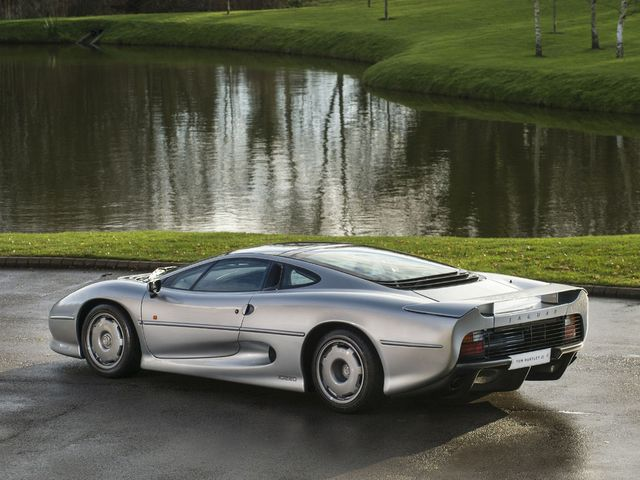 Jaguar_XJ220_for_sale_04.jpg