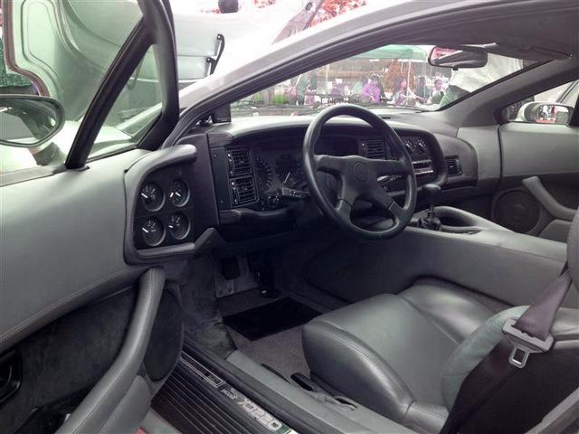 Jaguar_XJ220_for_sale_14.jpg