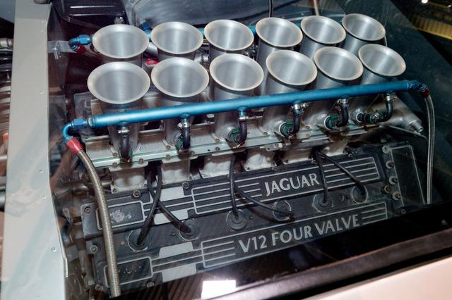 Jaguar_XJ220_prototype_22.jpg