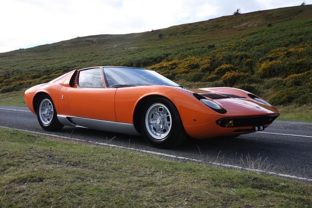 Lamborghini_Miura_1968_The_Italian_Job_03.jpg