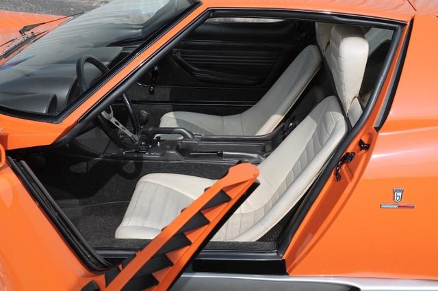 Lamborghini_Miura_1968_The_Italian_Job_04.jpg