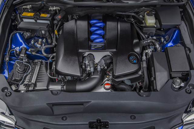 Lexus_GS-F_2015_Detroit_11.jpg