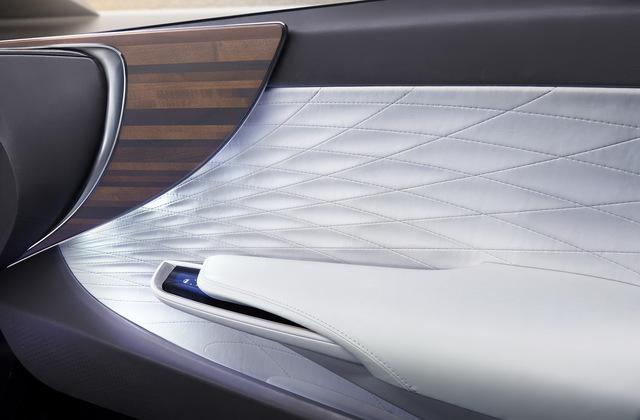 Lexus_LF_FC_concept_19.jpg