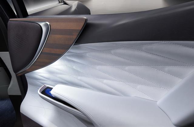 Lexus_LF_FC_concept_20.jpg