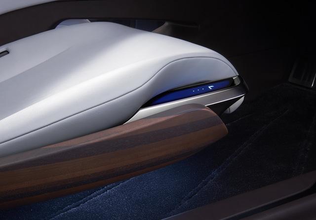 Lexus_LF_FC_concept_21.jpg