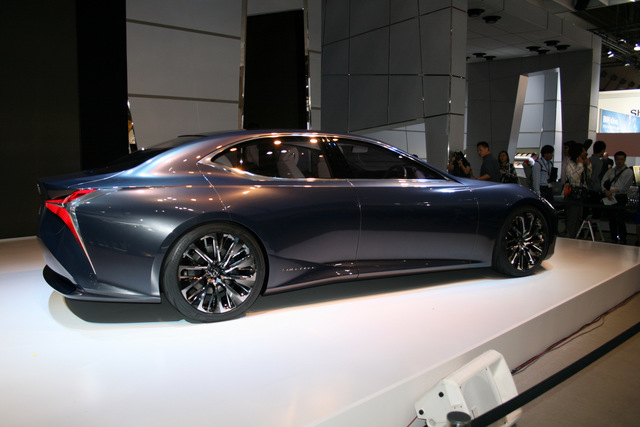 Lexus_LF_FC_concept_25.JPG
