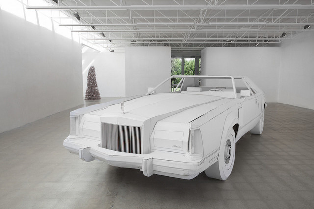 Lincoln_Continental_Mark_V_made_of_paper_02.jpg