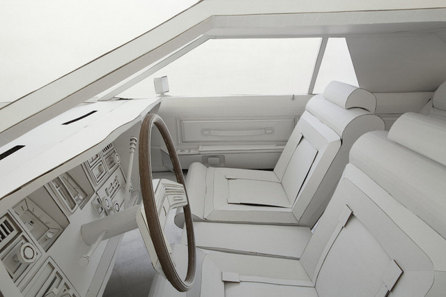 Lincoln_Continental_Mark_V_made_of_paper_09.jpg