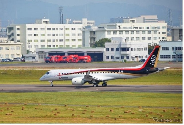 MRJ_first_test_flight_06.jpg