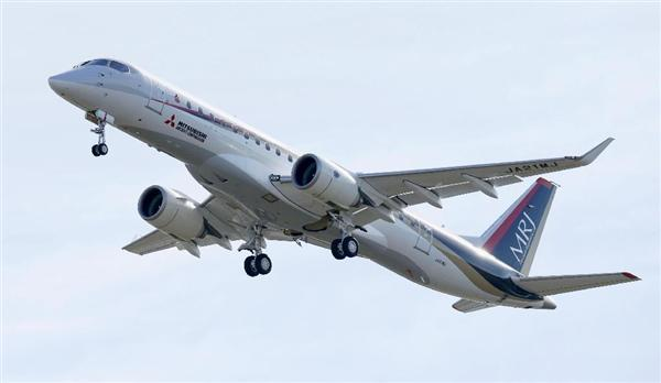 MRJ_first_test_flight_17.jpg
