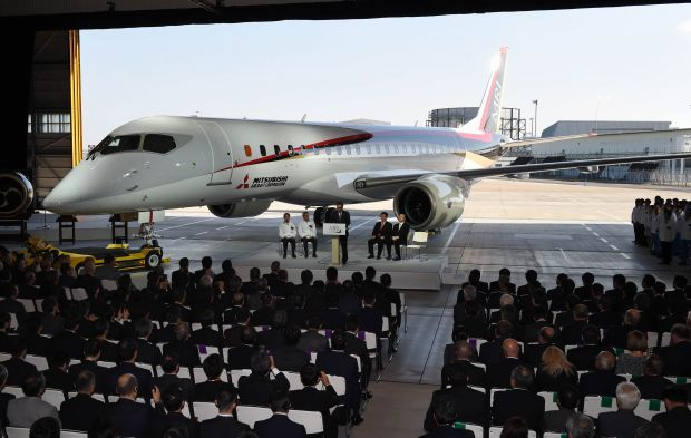 MRJ_first_test_flight_22.jpg