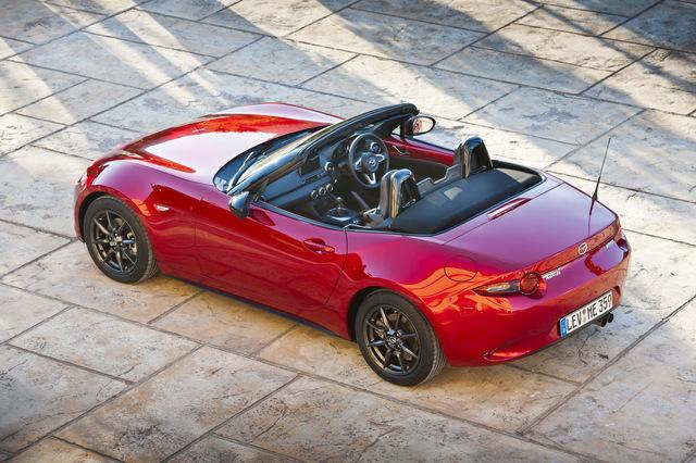 Mazda_MX-5_2015_02.jpg