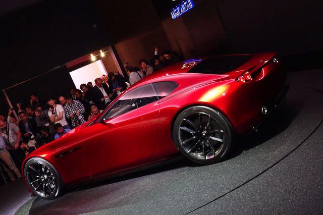 Mazda_RX-VISION_23.jpg