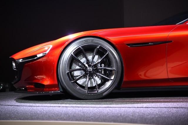 Mazda_RX-VISION_24.jpg