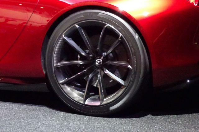 Mazda_RX-VISION_25.jpg