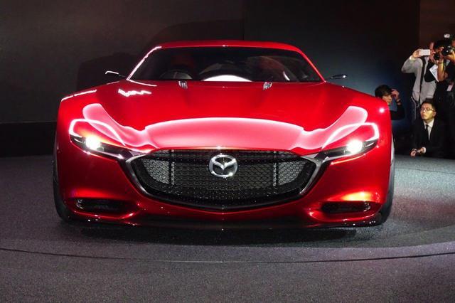 Mazda_RX-VISION_add_pics_06.jpg