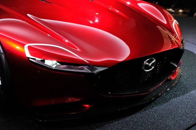 Mazda_RX-VISION_add_pics_09.jpg