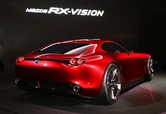 Mazda_RX-VISION_add_pics_18.jpg