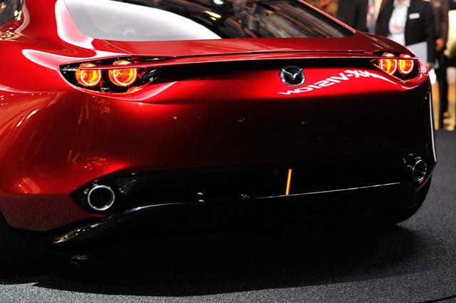 Mazda_RX-VISION_add_pics_20.jpg