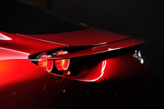 Mazda_RX-VISION_add_pics_23.jpg