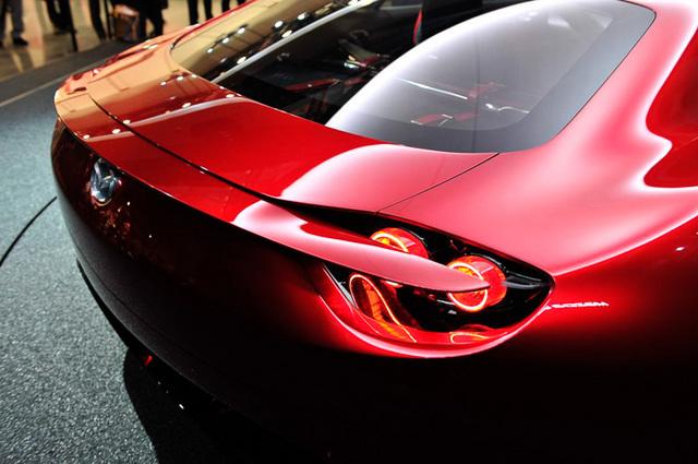 Mazda_RX-VISION_add_pics_25.jpg