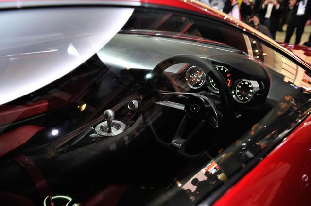 Mazda_RX-VISION_add_pics_28.jpg