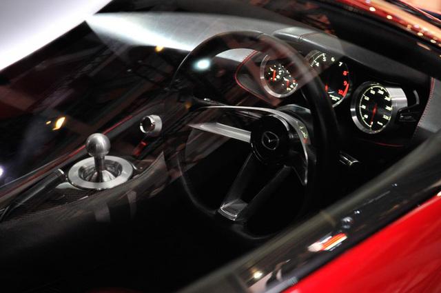 Mazda_RX-VISION_add_pics_29.jpg