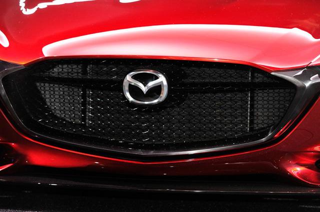 Mazda_RX-VISION_add_pics_33.jpg
