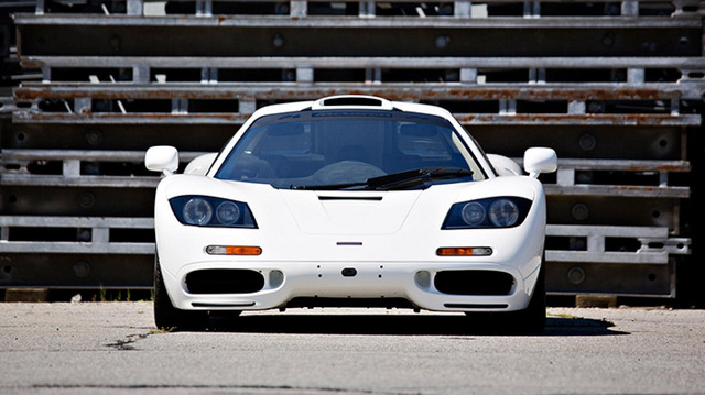 McLaren F1 white for sale_03.jpg