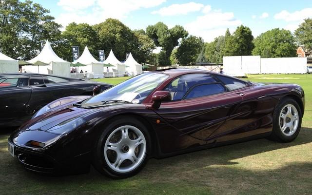 Rowan_Atkinson_McLaren_F1_11.jpg
