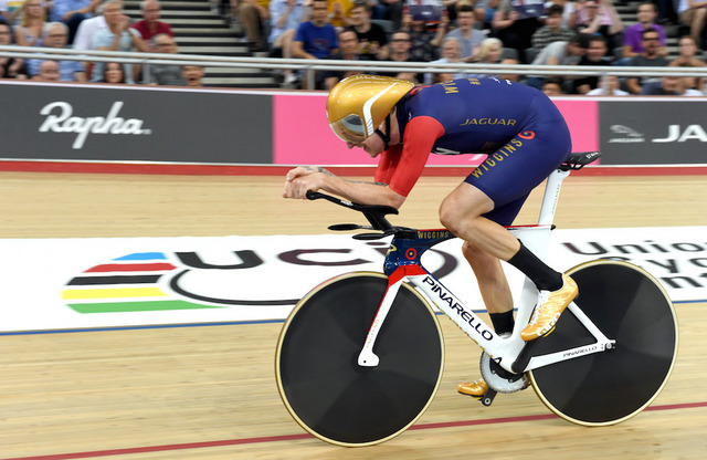 Wiggins_hour_record_01.jpg