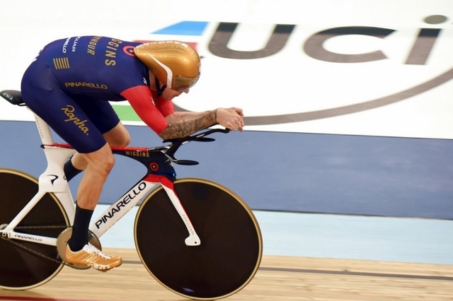 Wiggins_hour_record_03.jpg