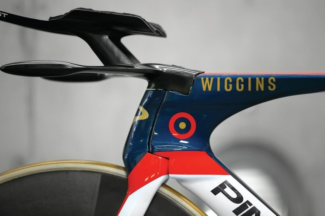 Wiggins_hour_record_10.jpg